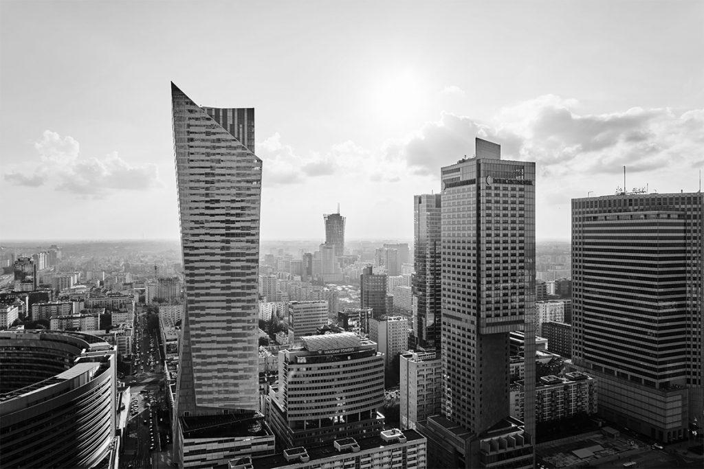 Uchylenie i odmowa udzielenia zabezpieczeń p-ko Klientom RKKW w wielowątkowym sporze budowalnym, cywilnym i spółkowym